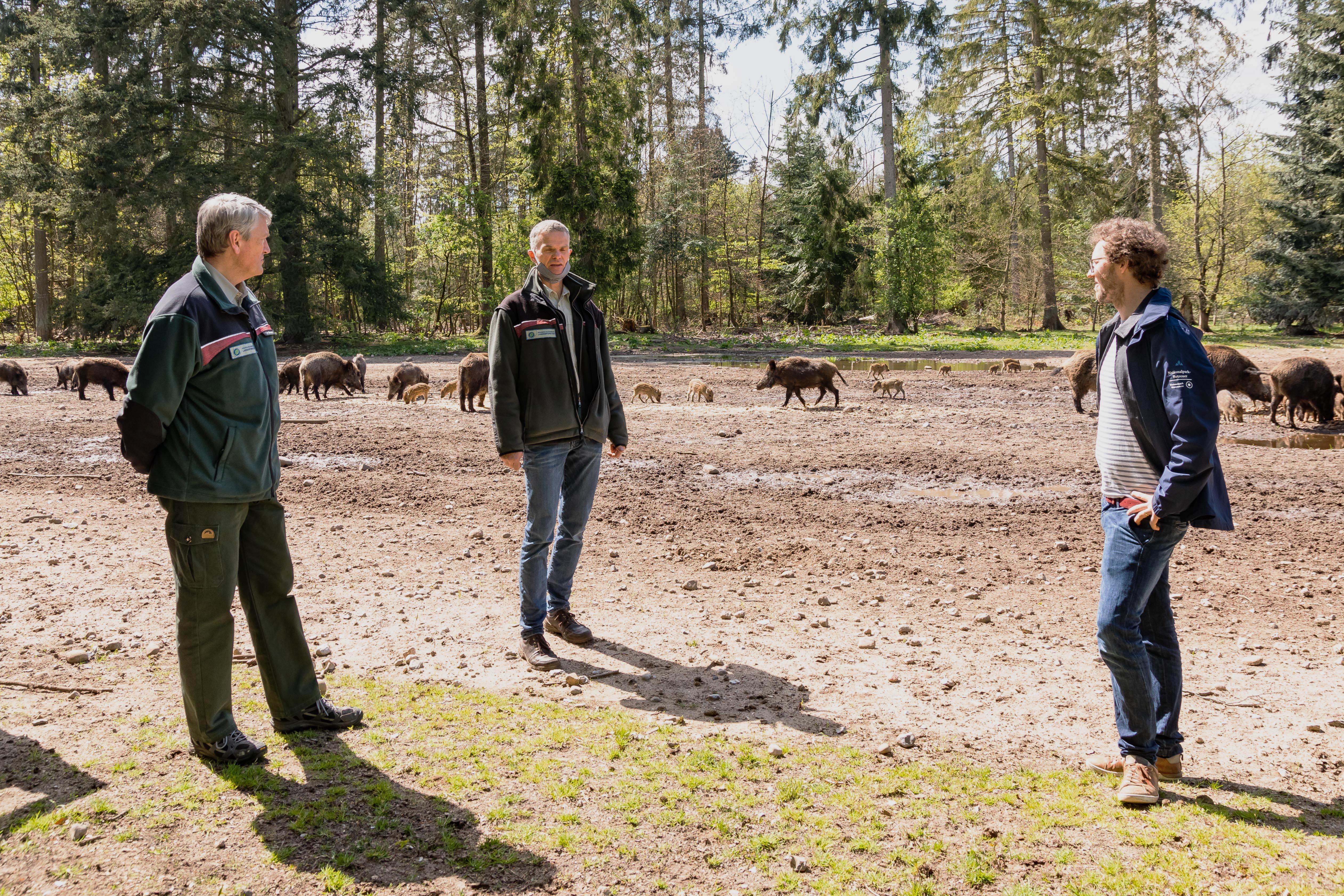 Umweltminister Albrecht zu Besuch im ErlebnisWald Trappenkamp