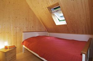 Ferienhaus Dachsbau Kellenhusen, Blick ins Schlafzimmer, Schleswig-Holsteinische Landesforsten