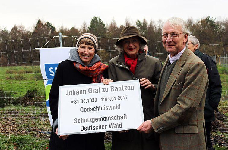 SDW-Landesvorsitzende Dr. Christel Happach-Kasan, Ute Gräfin zu Rantzau, Hans Graf zu Rantzau