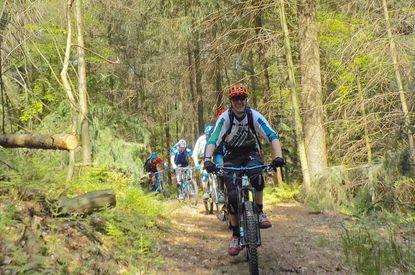 Mountainbike-Fahrer auf dem Hütti-Trail
