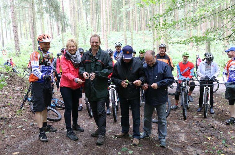 Mit dem Mountainbike auf dem Hütti-Trail