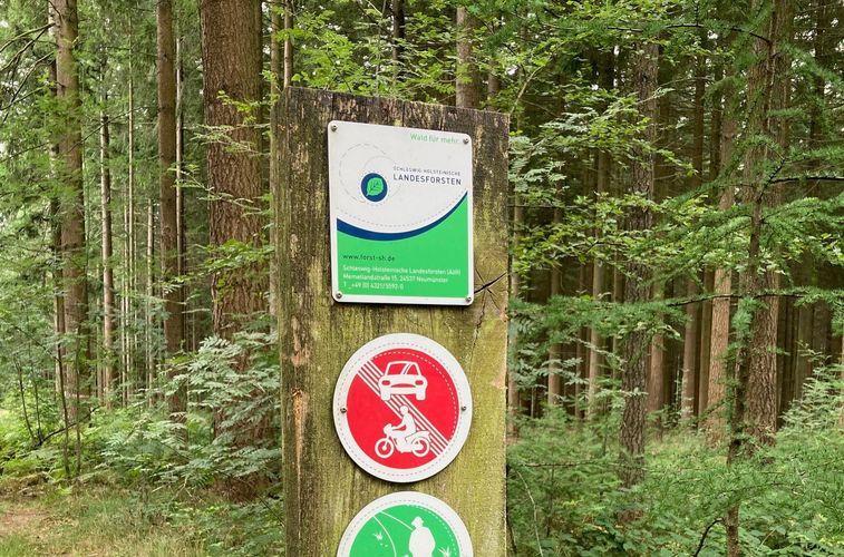 Waldeingangsbeschilderung